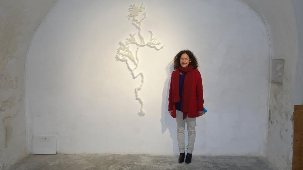 Emilie Losch avec leur oeuvre Vena Mundies